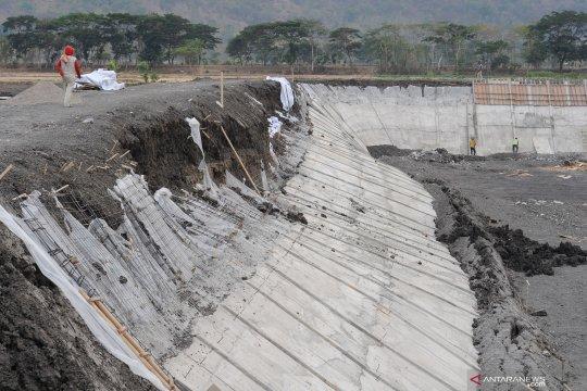 Proyek pembangunan embung di Klaten