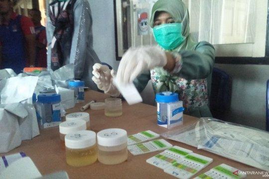 Ribuan pegawai lapas di Sumbar lakukan tes urine serentak