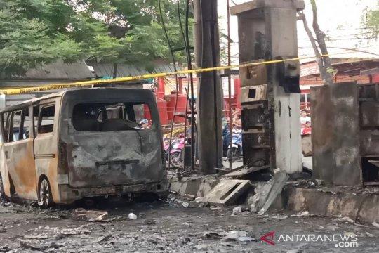 Saksi mendengar tiga suara ledakan saat kebakaran SPBU Setu