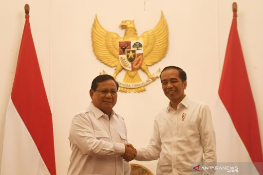 Presiden Jokowi bertemu Prabowo Subianto di Istana Merdeka