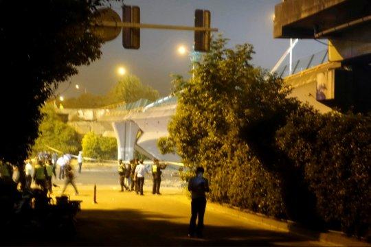 Jalan layang di China runtuh, tiga tewas dan dua terluka