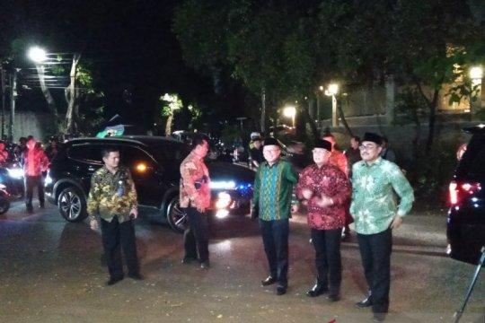 Pimpinan MPR antar undangan kepada Prabowo