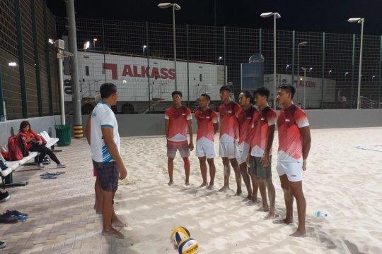 Timnas voli pantai mulai adaptasi dengan cuaca Doha
