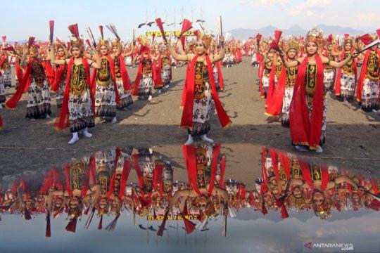 Tari kolosal Gandrung Sewu di Banyuwangi