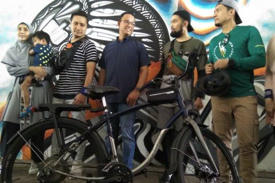 Anies resmi luncurkan fase dua jalur sepeda Jakarta bareng artis