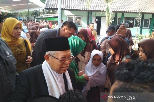 Ma'ruf Amin prihatin peristiwa penyerangan terhadap Wiranto
