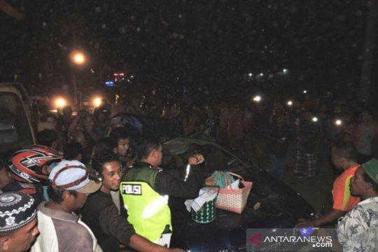 Korban mobil tertimpa pohon di Situbondo menjadi empat orang