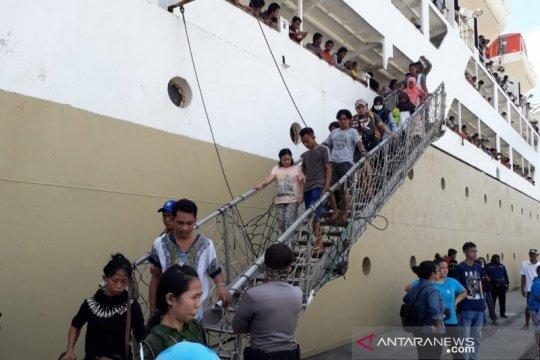 Pengungsi Wamena asal Malut tiba di Ternate