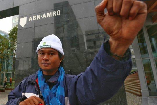 Demi tanahnya, petani sawit Sulawesi mengadu hingga ke Belanda