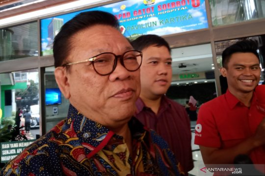 Agung Laksono doakan Wiranto pulih satu minggu