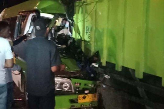 Rombongan pengantin asal Langsa kecelakaan di Aceh Utara, dua penumpang tewas