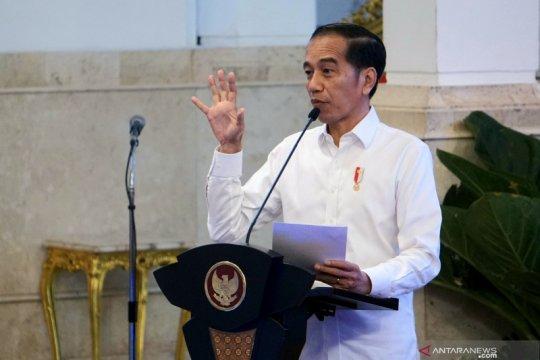 Jokowi harap Palapa Ring perkuat perdagangan dan perbaikan birokrasi