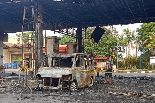 Plat nomor mobil yang terbakar di SPBU Setu diduga palsu
