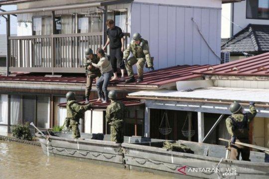 Jepang kirim tentara setelah topan landa Tokyo, 23 orang meninggal