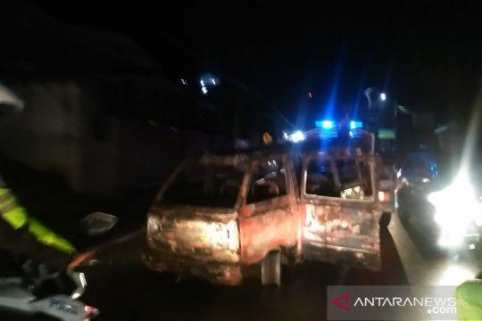 Tangki kendaraan diduga alami kebocoran, penyebab kebakaran SPBU Agam