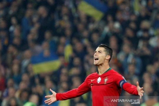 Ronaldo cetak gol ke-700 tapi Portugal kalah lawan Ukraina