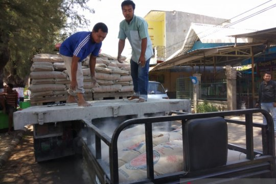 Dinas Perdagangan NTB gelar operasi pasar semen