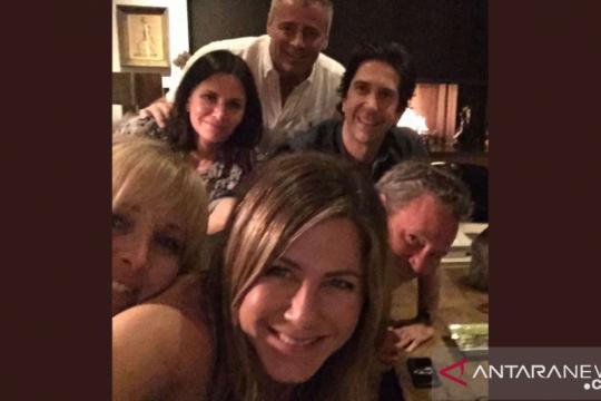 Jennifer Aniston punya Instagram, ini unggahan pertamanya