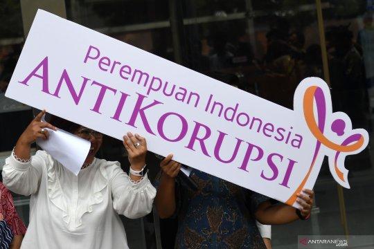 Unjuk rasa Perempuan Indonesia Antikorupsi di KPK