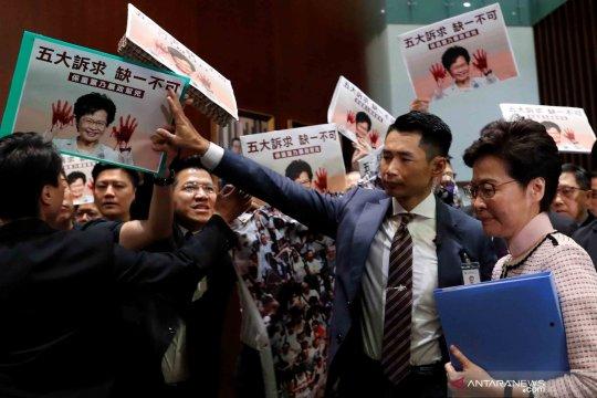 Pemimpin Hong Kong dukung polisi gunakan kekuatan hadapi pemerotes