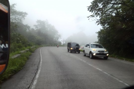 Kabut asap kian pekat selimuti Padang, udara mulai tak baik untuk anak-anak