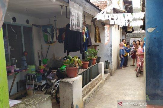 Densus 88 geledah rumah di pemukiman padat Lengkong Kota Bandung
