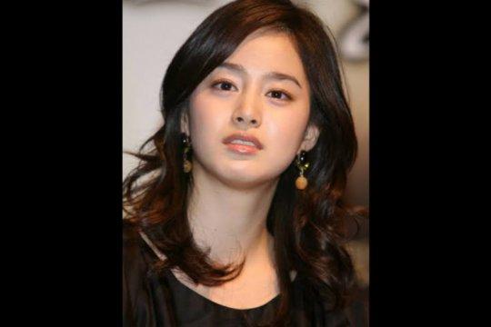 Kim Tae-hee pertimbangkan kembali berakting setelah lima tahun rehat