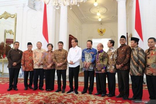 Presiden Jokowi: Masih akan ada muka lama di kabinet baru