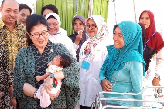 Menkes beri nama untuk bayi pengungsi gempa Maluku