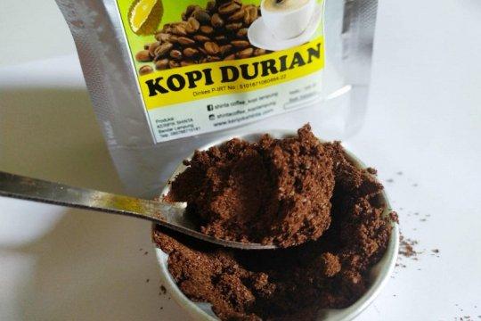 Pelaku UMKM kembangkan kopi durian bubuk khas Lampung