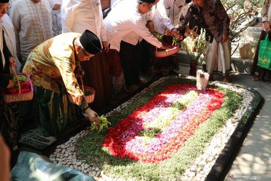PBNU instruksikan ziarah kubur sambut Hari Santri
