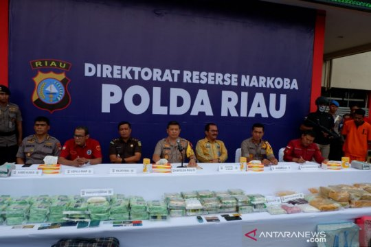 Polisi di Riau sita 89,72 kg sabu-sabu, 24.000 pil ekstasi