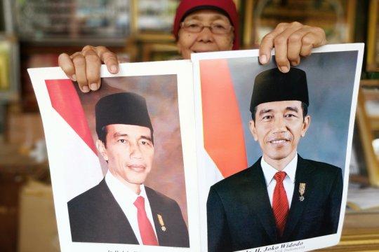Pedagang bingkai Jatinegara belum pajang foto resmi Jokowi-Ma'ruf