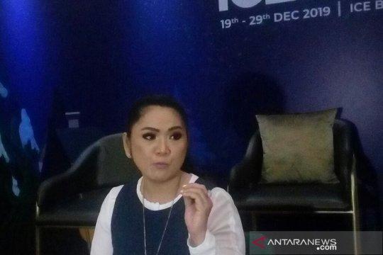 Vina Panduwinata tanggapi kasus bunuh diri Sulli