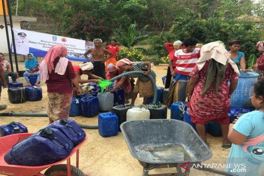 Distribusi bantuan air bersih di Bangkalan terus berlanjut