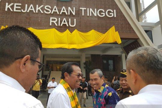 Jaksa Agung: Tindak tegas dan tuntaskan kasus karhutla Riau