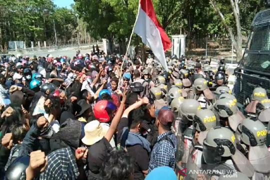 Mahasiswa demo tuntut tetapkan tersangka penembakan mahasiswa UHO