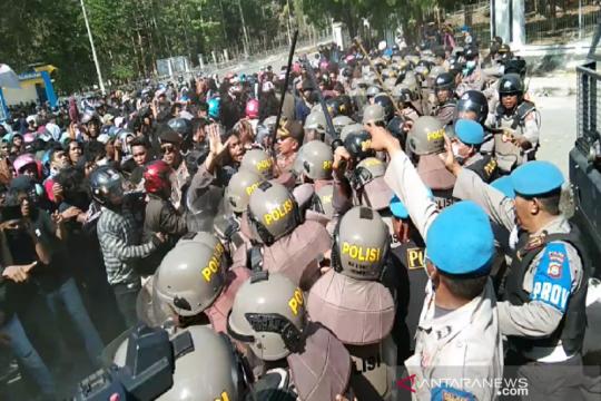 Eks Kasat Reskrim Kendari diadili terkait penembakan mahasiswa