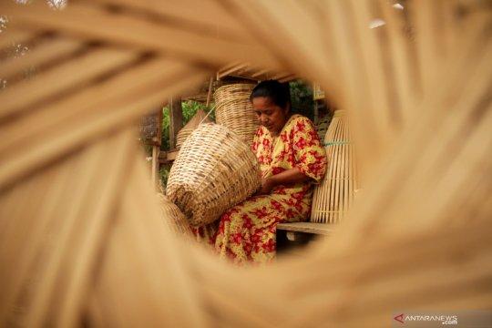 Kerajinan rotan dan bambu dari Pangkep