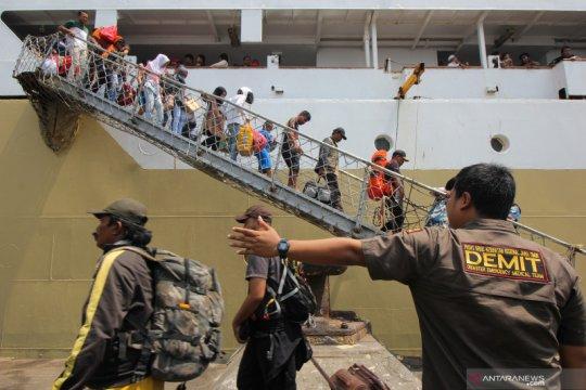 Pengungsi kerusuhan Wamena tiba di Surabaya