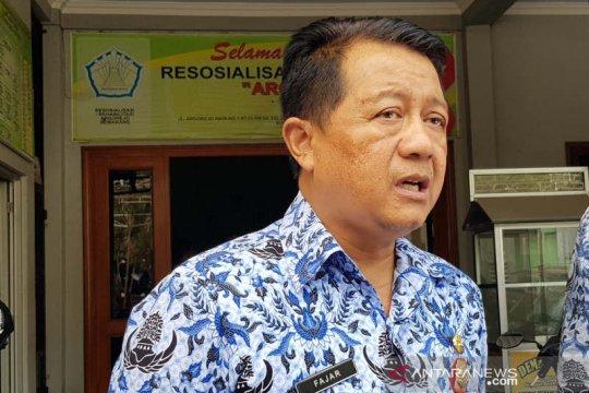 Personel Satpol PP Semarang bersiaga usai penutupan Sunan Kuning