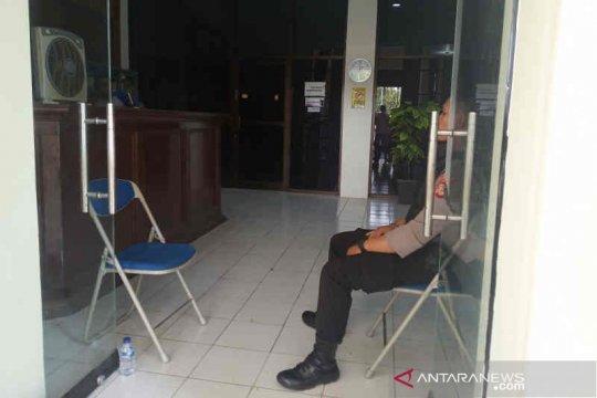 KPK geledah Kantor Dinas PUPR Indramayu terkait OTT Bupati