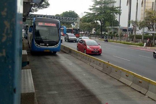 Dishub DKI: Jangan ragu naik bus Zhong Tong
