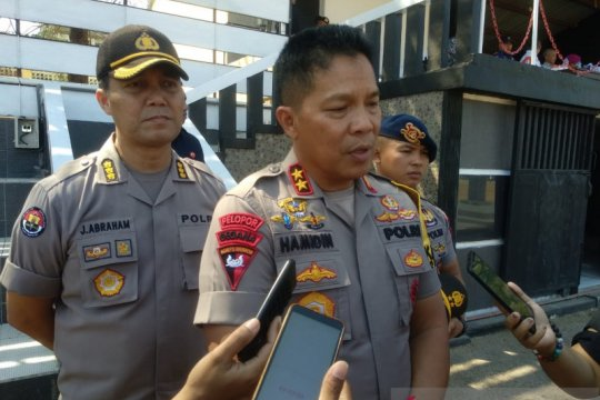 Polda NTT menggelar patroli skala menengah jelang pelantikan presiden