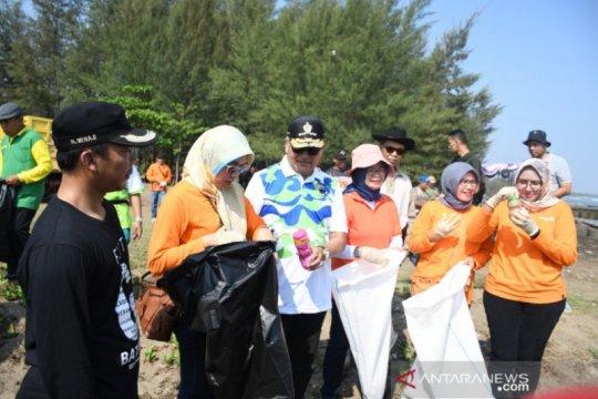 77 persen kawasan pesisir pantai Jawa Tengah rusak
