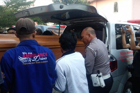Jasad 4 korban di tol dikebumikan di Lampung Utara