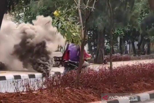 Ada asap dari kolong pedestrian Pulomas, ini penjelasan Damkar