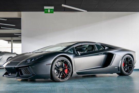 """Lamborghini terbakar, Irwansyah sebut Raffi Ahmad """"shock"""""""