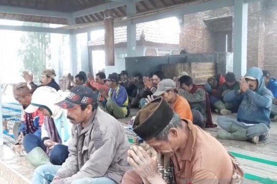 Warga Tengger Lumajang doa bersama agar pelantikan Presiden lancar