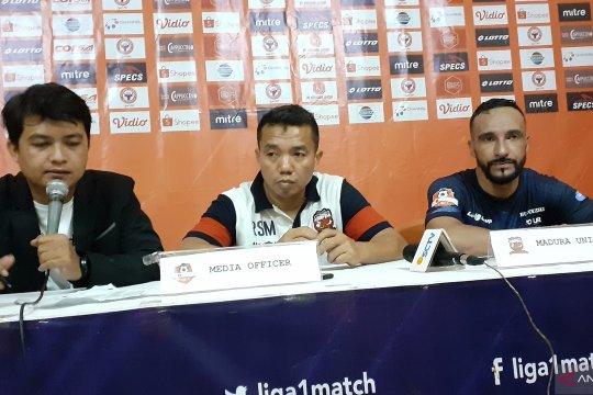 Pelatih Madura sebut timnya beruntung bisa menang di Padang